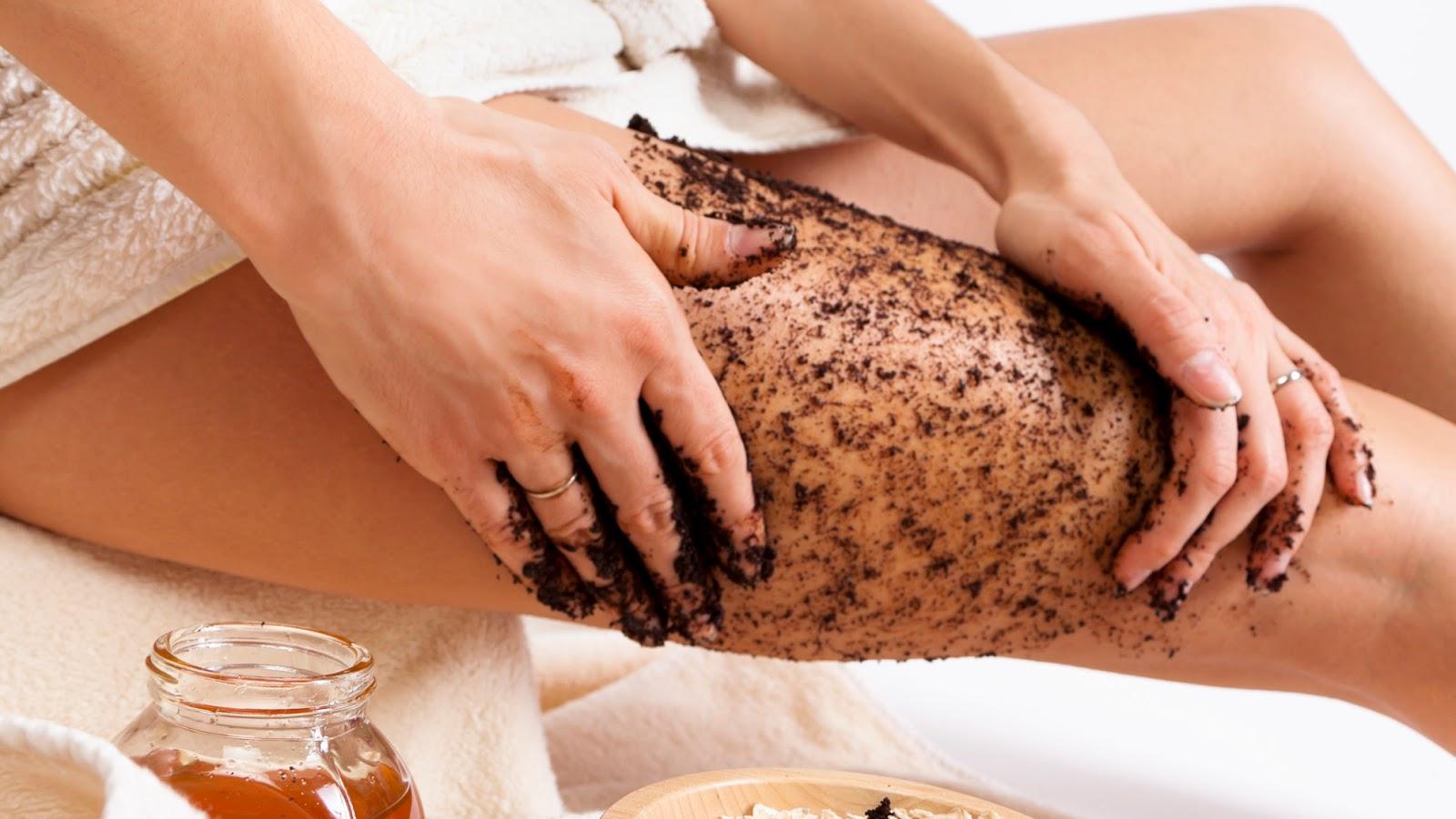Come usare lo scrub per il corpo e i suoi benefici