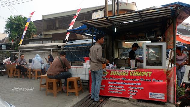 Kuliner Legendaris Bandung: Surabi Cihapit Sejak Tahun 1982, sejarah surabi cihapit, harga surabi cihapit