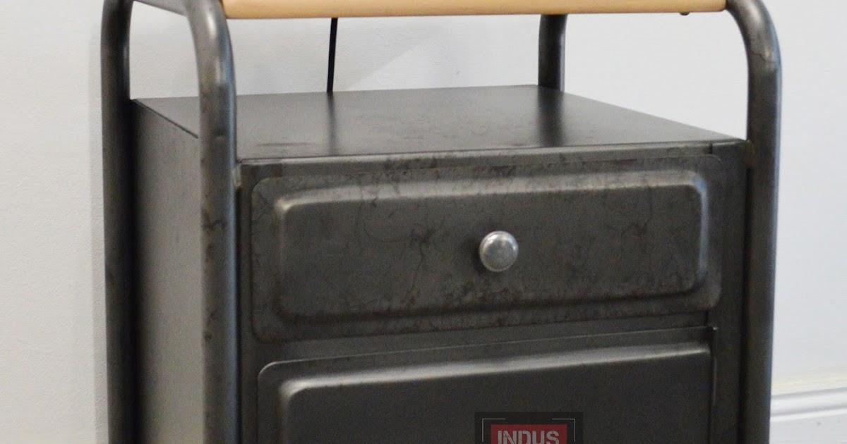 Table de nuit vintage for Table de nuit style industriel