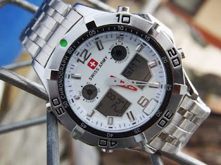 Harga Jam Tangan Swiss Army warna putih