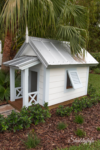 The HGTV Dream Home 2016 comes with a dog house!