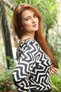 Actress Saloni Latest Pos in Short Dress  0041.JPG