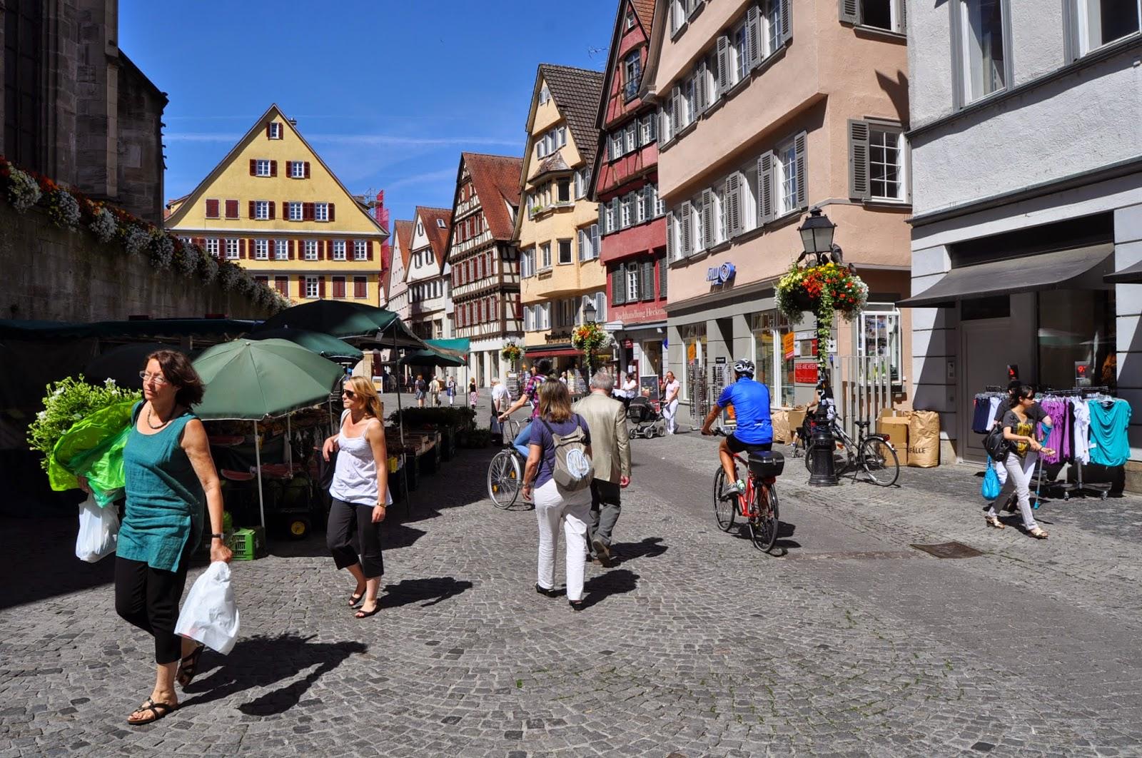 Fotos del mercadillo en la Plaza de Tubingen