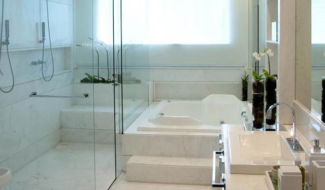 Banheiro-com-banheira-de-embutir-4