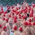 Australianos celebram chegada do inverno nadando nus em rio