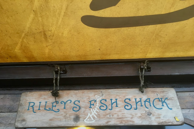 EATING OUT AT RILEYS FISH SHACK – KING EDWARDS BAY, TYNEMOUTH