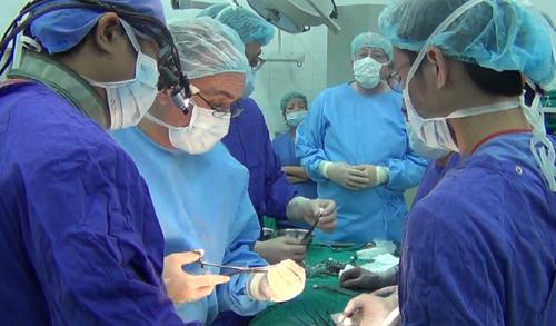 Khi nào phẫu thuật thoát vị đĩa đệm hợp lý