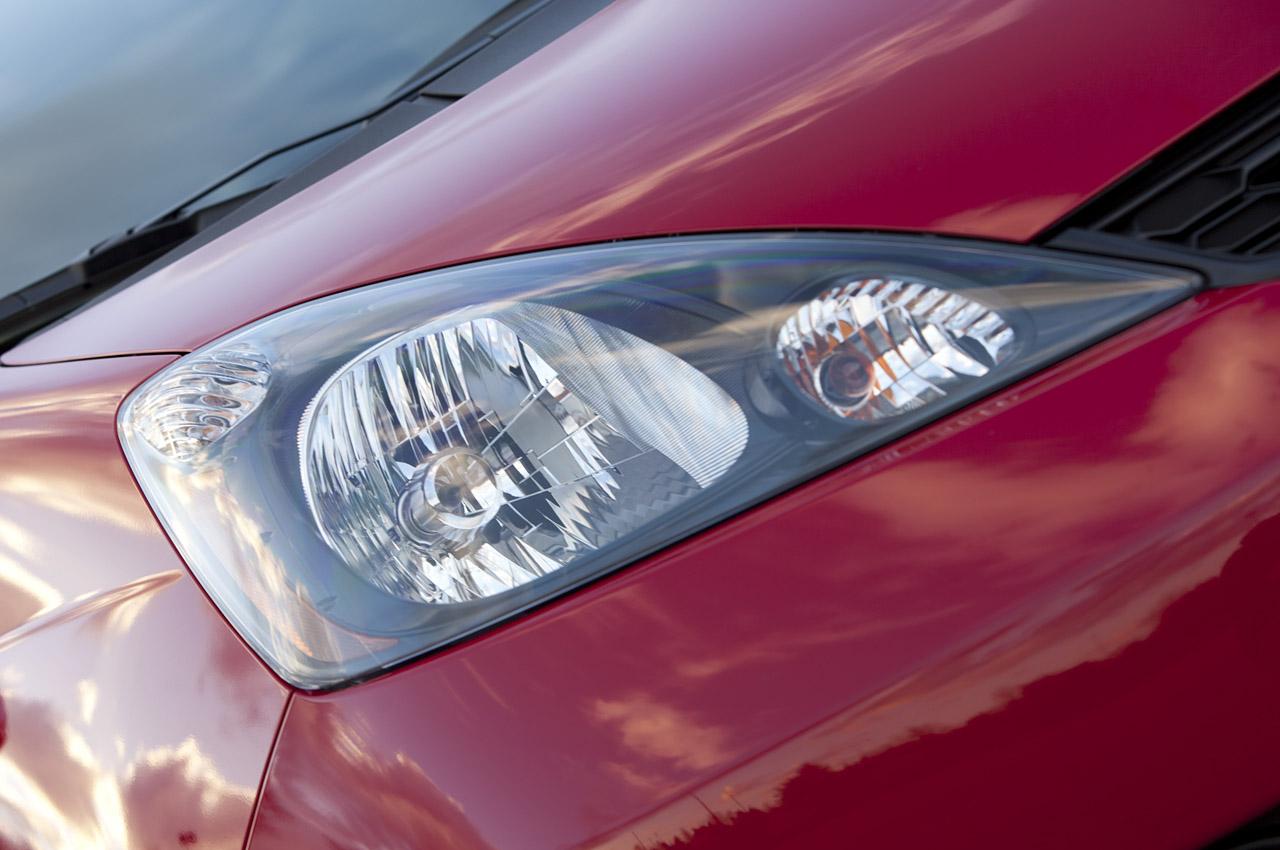 2013 Honda Fit Sport: Review Photos