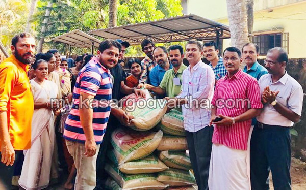 Kerala, Chalanam, Kasargod, Rice handed over to district school kalotsavam.