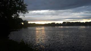 Coucher de soleil, rivière des Prairies, parc de la Merci