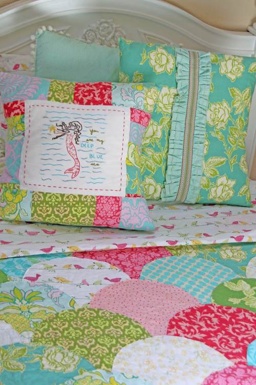 Greatest Make an Impact with Throw Pillows! - girl. Inspired. SP36