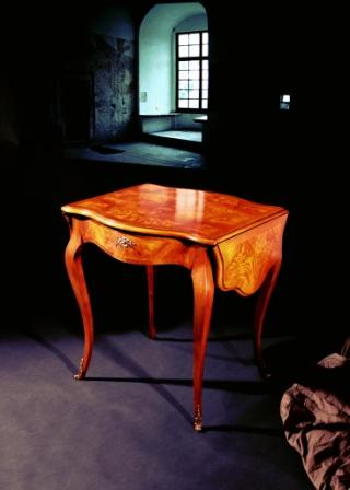 M i a mobili intarsiati artistici in stile for Mobili in regalo
