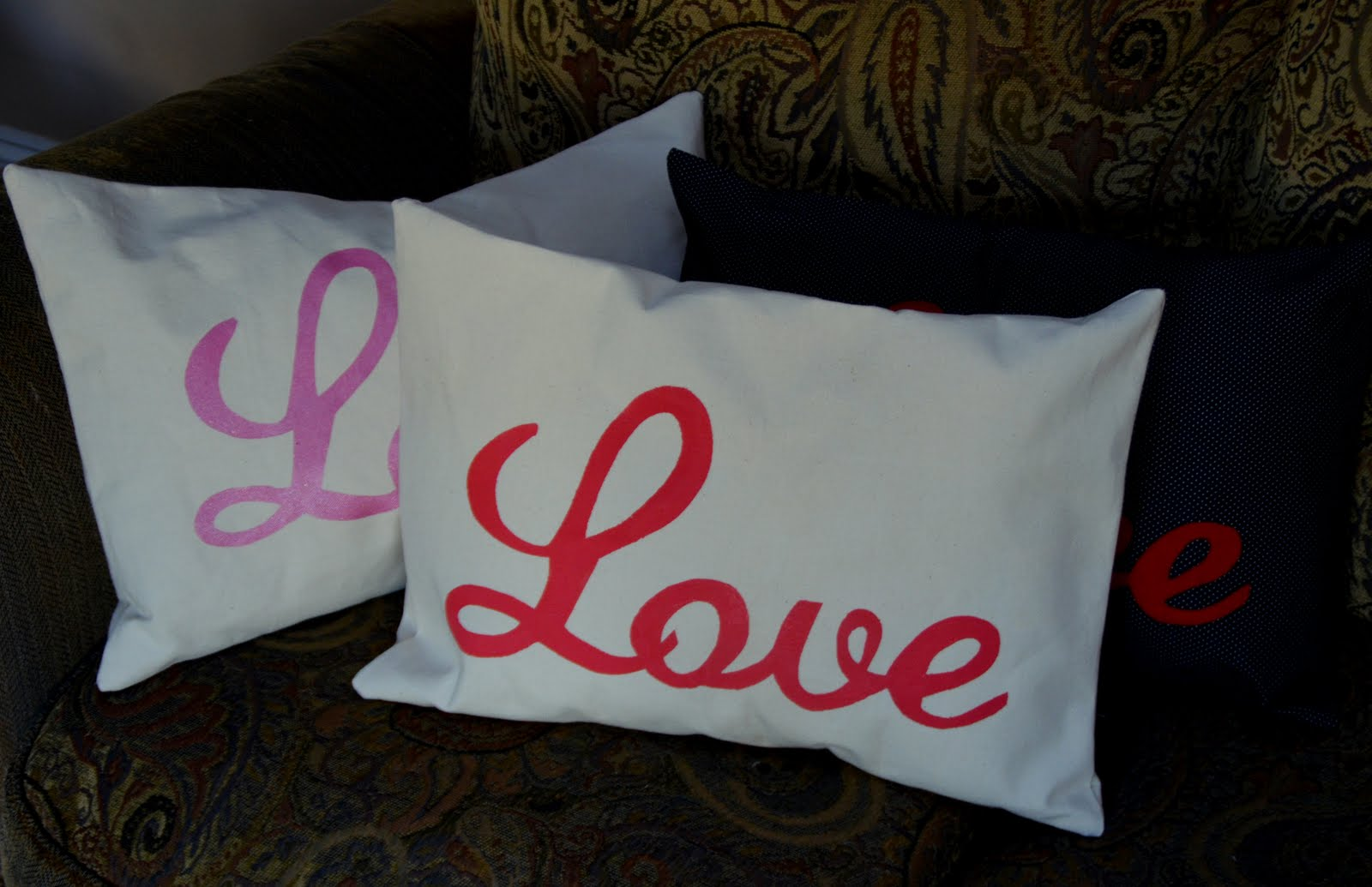 Amazing Mae Love Pillow Tutorial