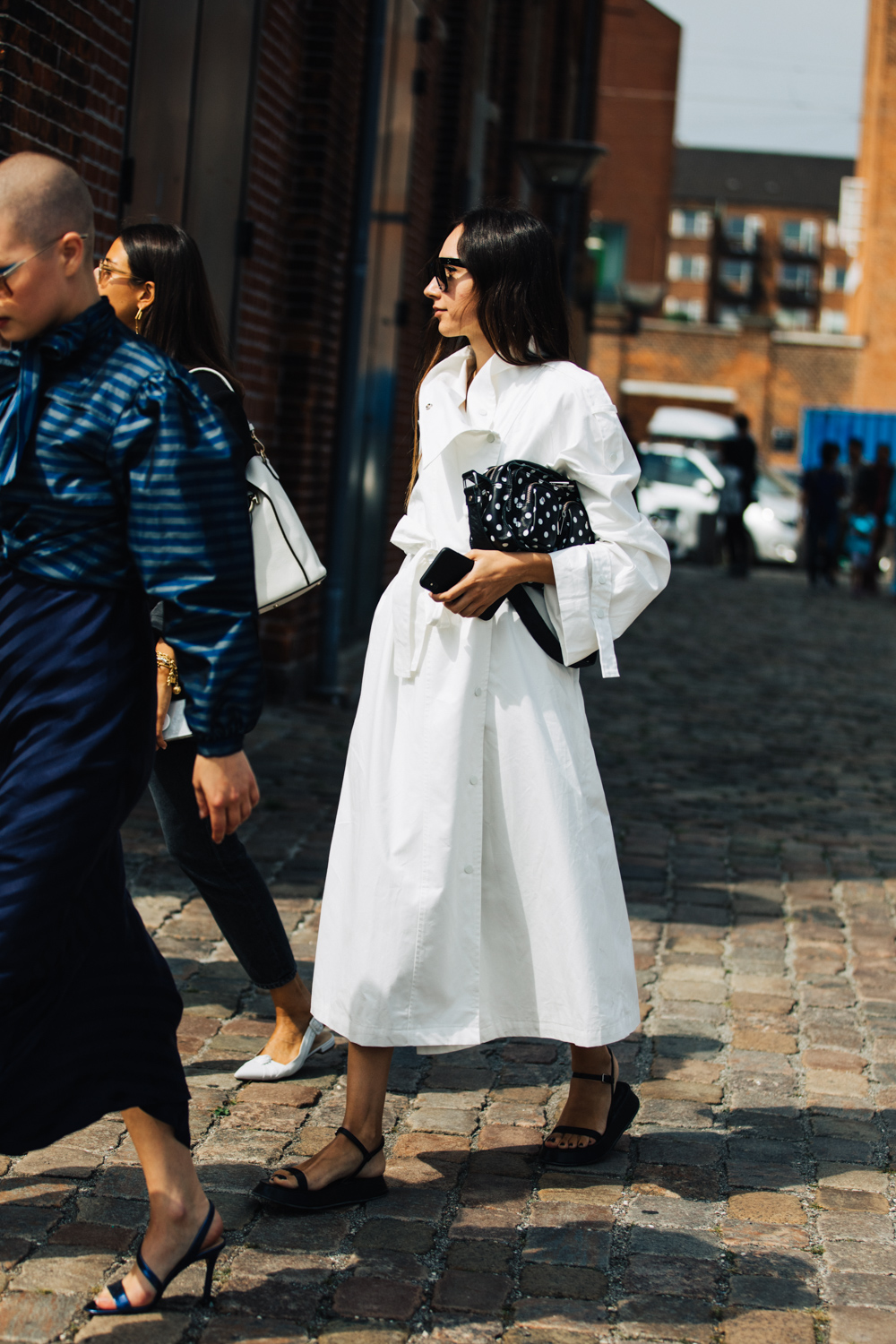 The Best White Shirt Dresses For Fall – Street Style Outfit Inspiration