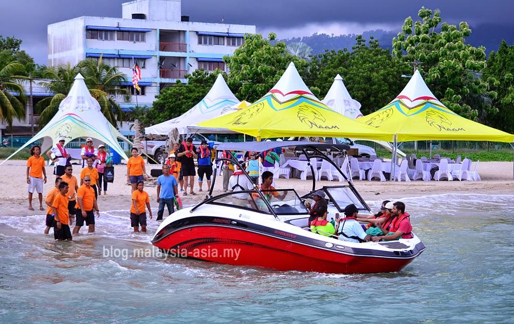 Naam control center at Tanjung Rhu beach