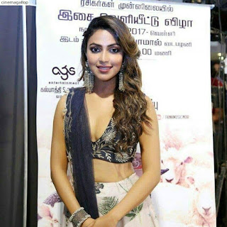 FB IMG 1506665869452 - Amala paul Sexy Naval Showing Images and Hot Cleavage Collections-Best Ever Photo Gallery