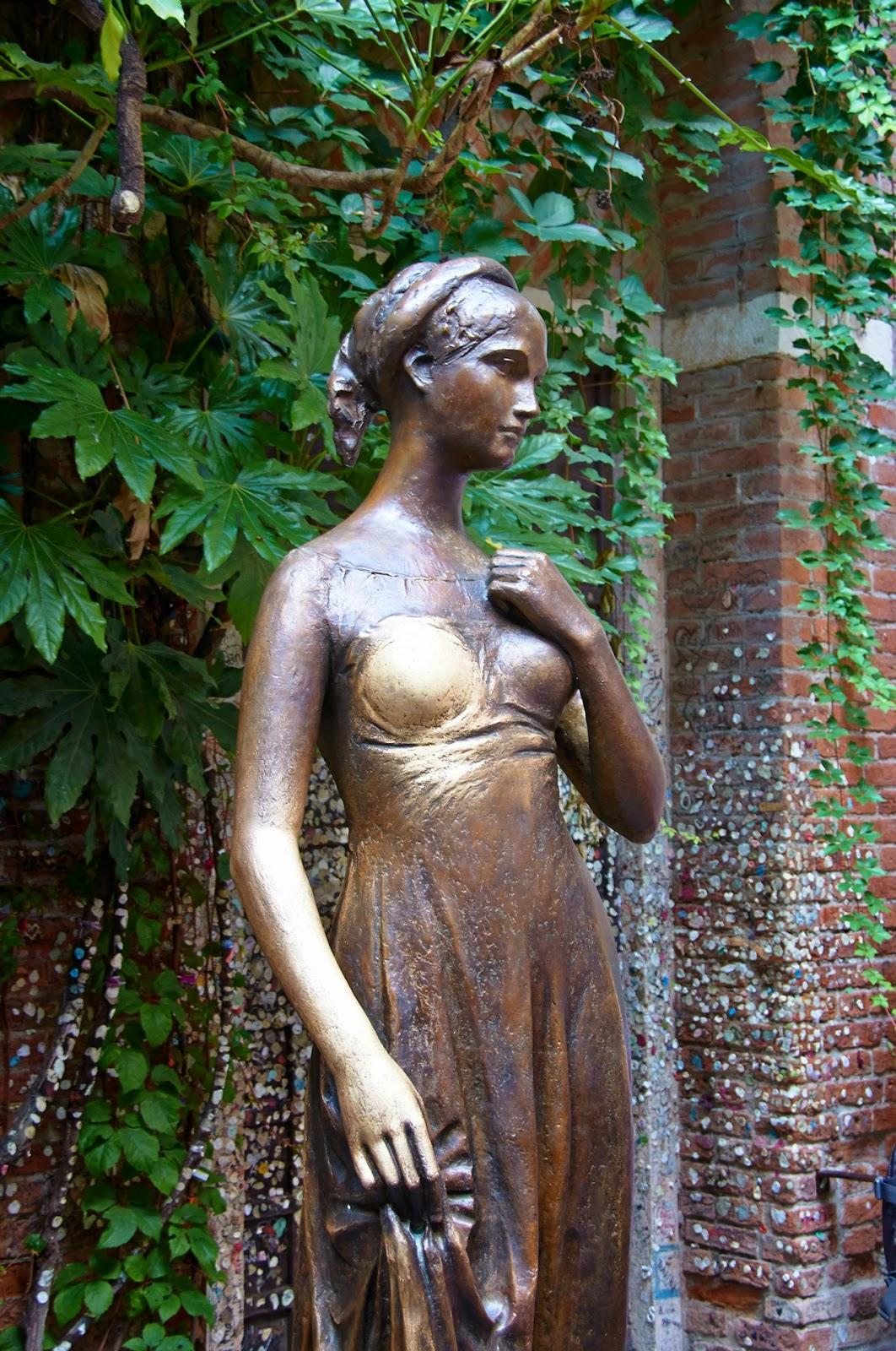 figurka i balkon Romeo i Julia Werona