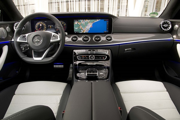 Interior Mercedes-Benz E 400 4Matic Coupé