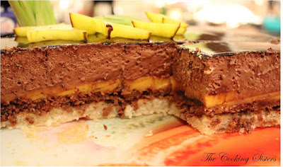 http://the-cooking-sisters.blogspot.ch/2012/12/entremet-chocolat-passion.html