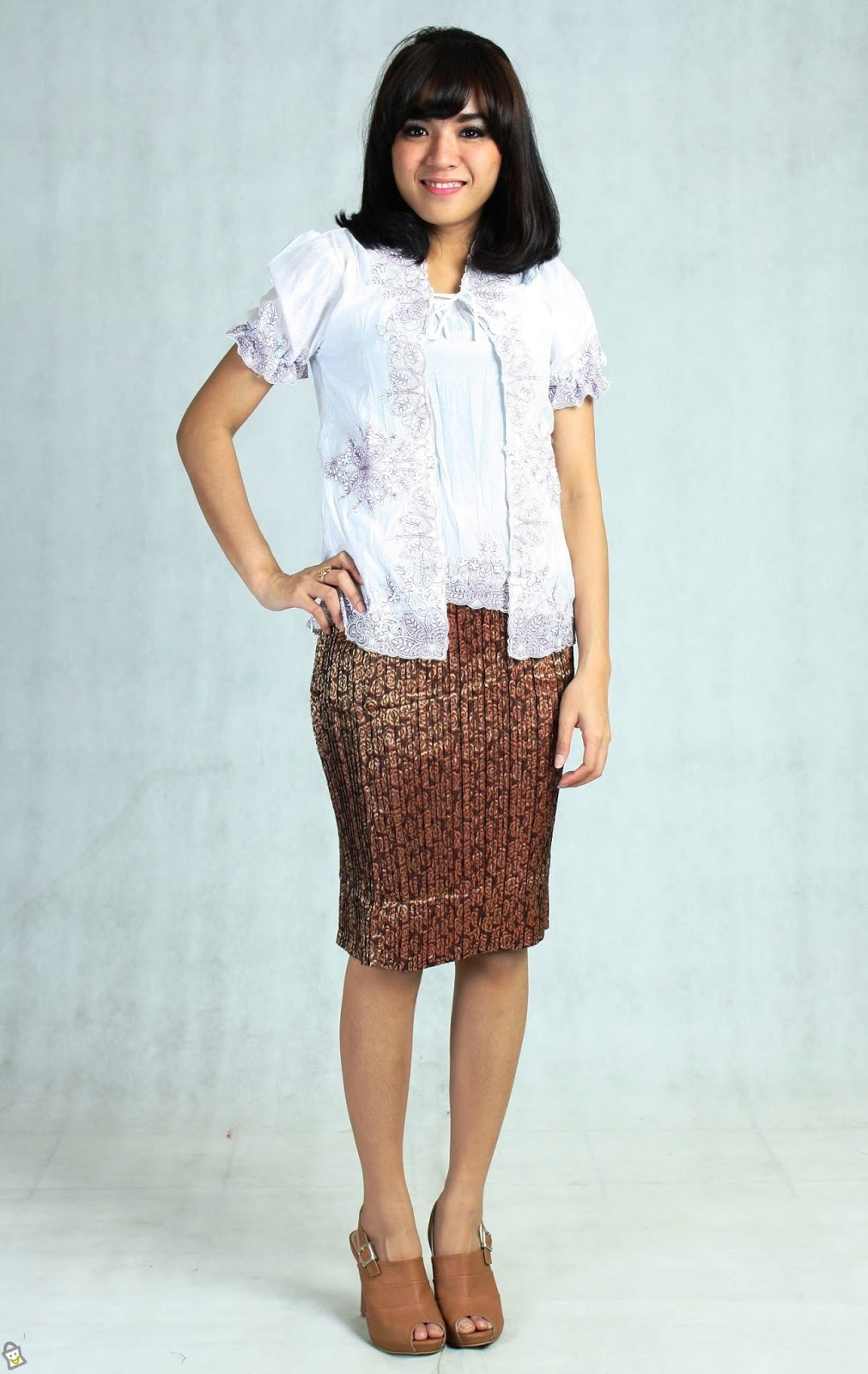 Model Rok Batik Pendek Modern Untuk Pesta Terbaru