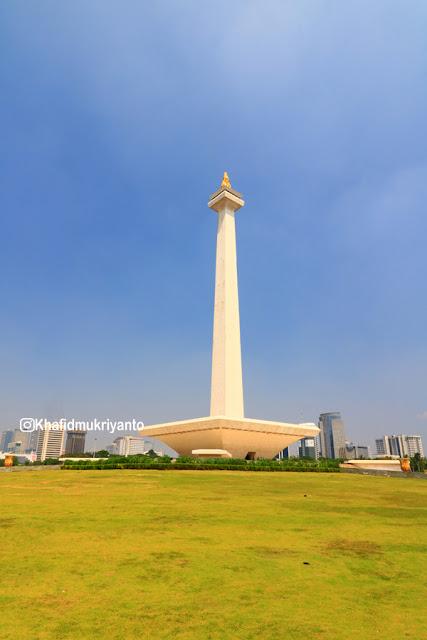 "monas indonesia ""monumen nasional"""