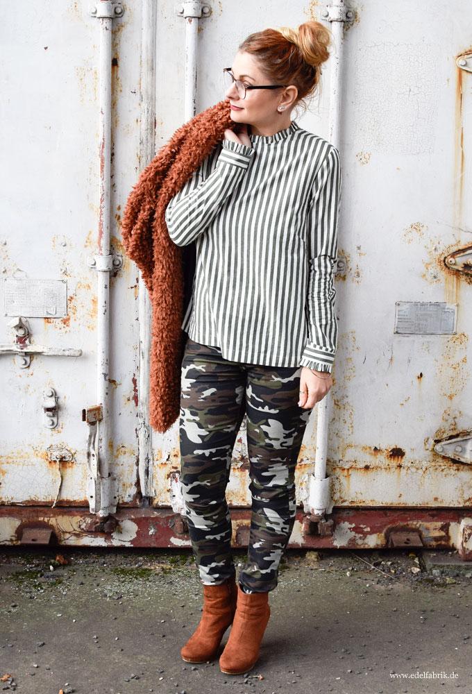 enge Frauenhose, Camouflage für Frauen