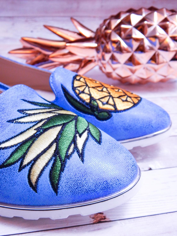 8 renee jasnoniebieskie mokasyny pineapple ananas buty obuwie renee obuwie damskie półbuty buty na wakacje wygodne z aplikacjami wyszywane vices recenzja partybox gadżety na stół urodzinowy