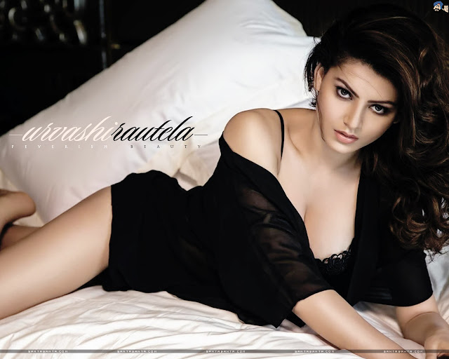 Hot Urvashi Rautela Wallpapers