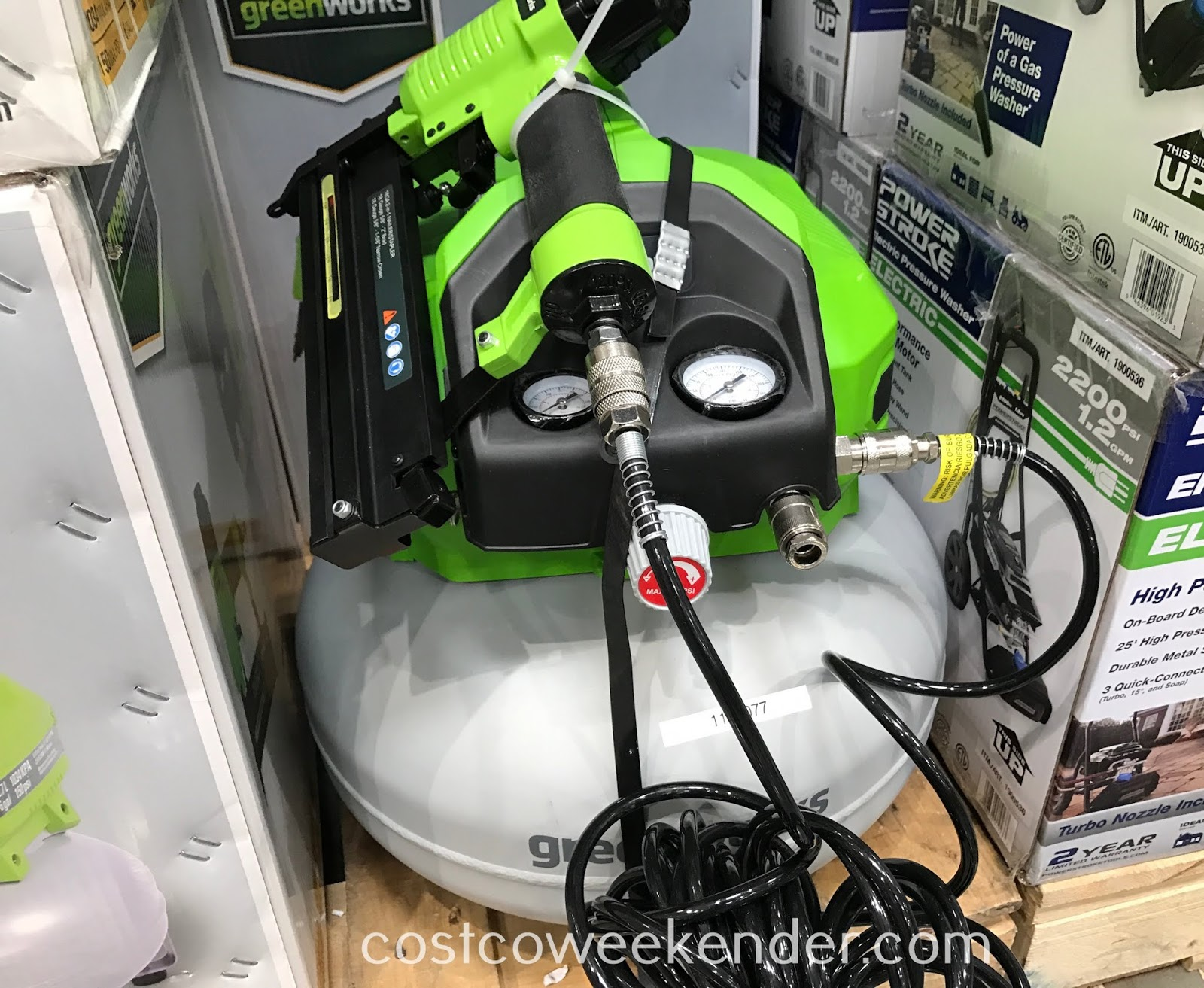 Easily operate a nail gun, impact wrench, or inflate tires quickly with the Greenworks 6-gallon Air Compressor Combo Kit