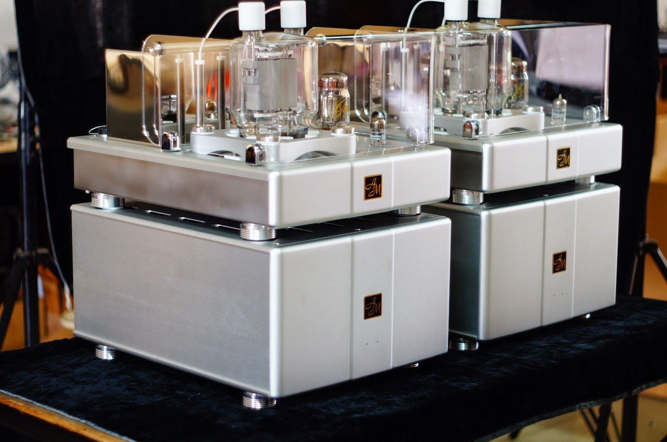 Mono And Stereo High End Audio Magazine Am 833s Mono Blocks Power Amplifiers
