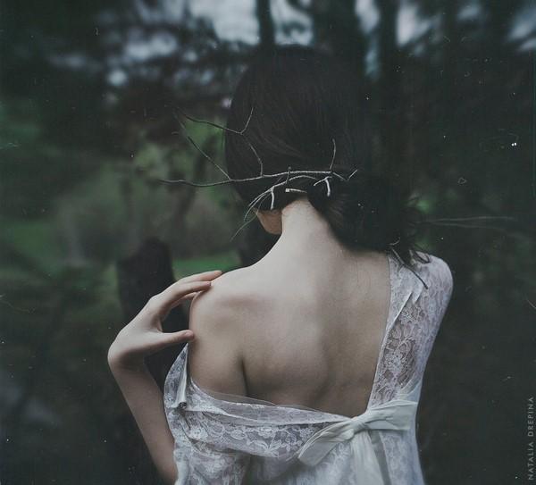 Đàn bà còn yêu, không ai cản nổi, đàn bà cạn tình, chẳng ai ngờ hết