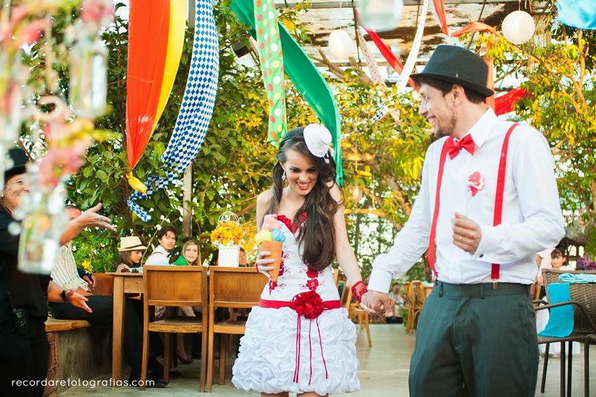 casamento-magico-layane-andre-saida-noivos