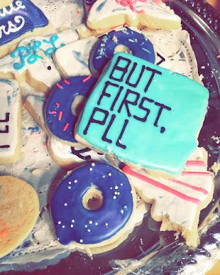 """PLL behind-the-scenes 7x14 """"Power Play"""" cookies"""