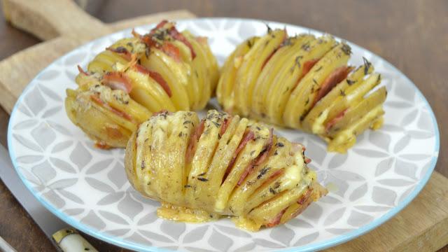Patatas al horno hasselback con bacon y queso