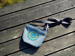 ręcznie wykonana torebka z mandalą koła kwiaty szara