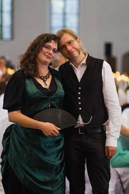 Paarphoto auf der Hochzeit von Freunden | Photo von Natascha Sonner | Shutter Photography