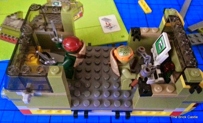 LEGO TMNT Turtle Van Takedown Set 79115 Review vehicle build raphael and michelangelo in van
