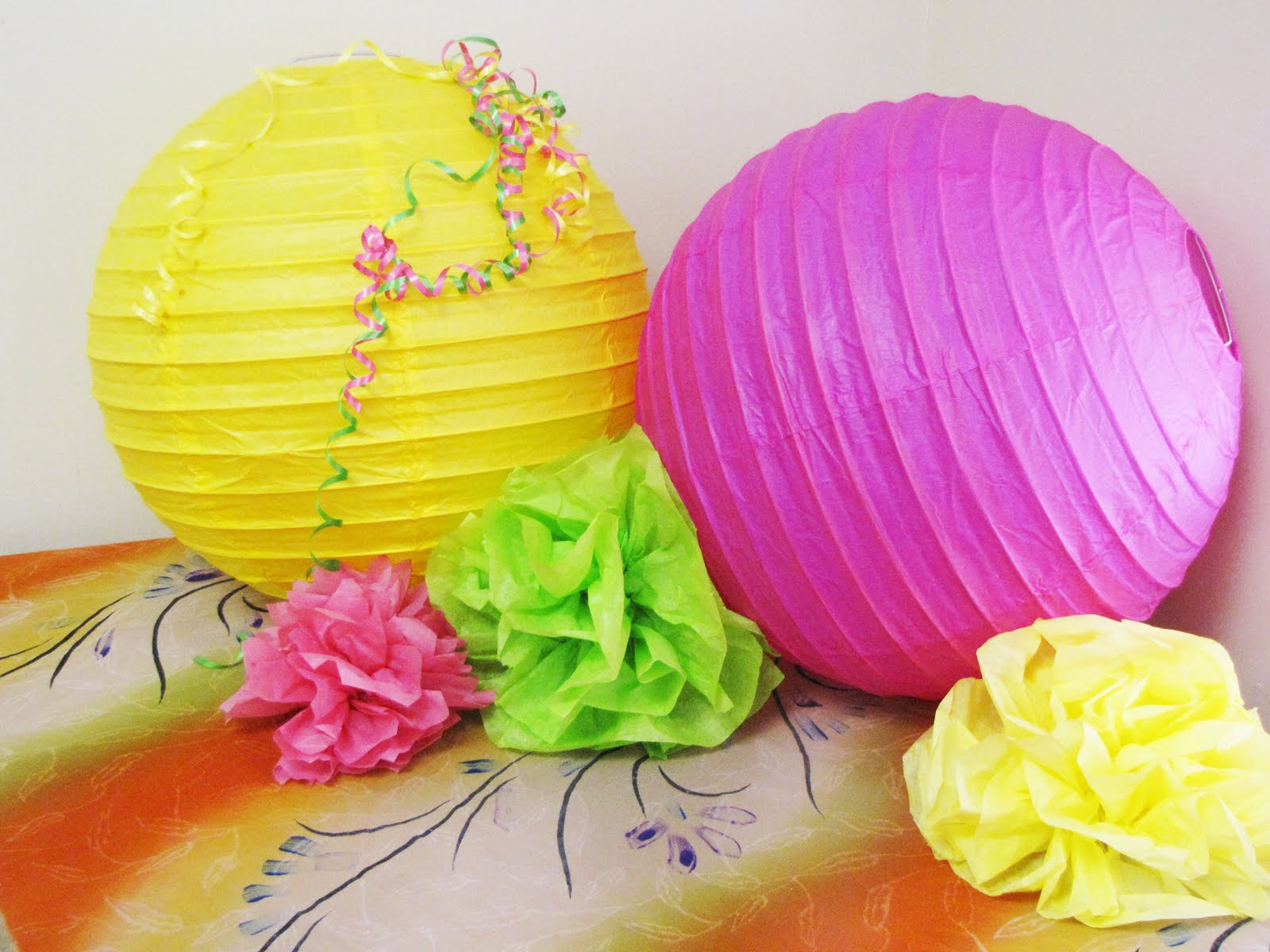 Liddy B. and me: Super Easy Tissue Paper Decorations