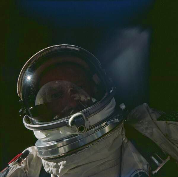 64 Historical Pictures you most likely haven't seen before. # 8 is a bit disturbing! - Buzz Aldrin doing a space selfie. 1966