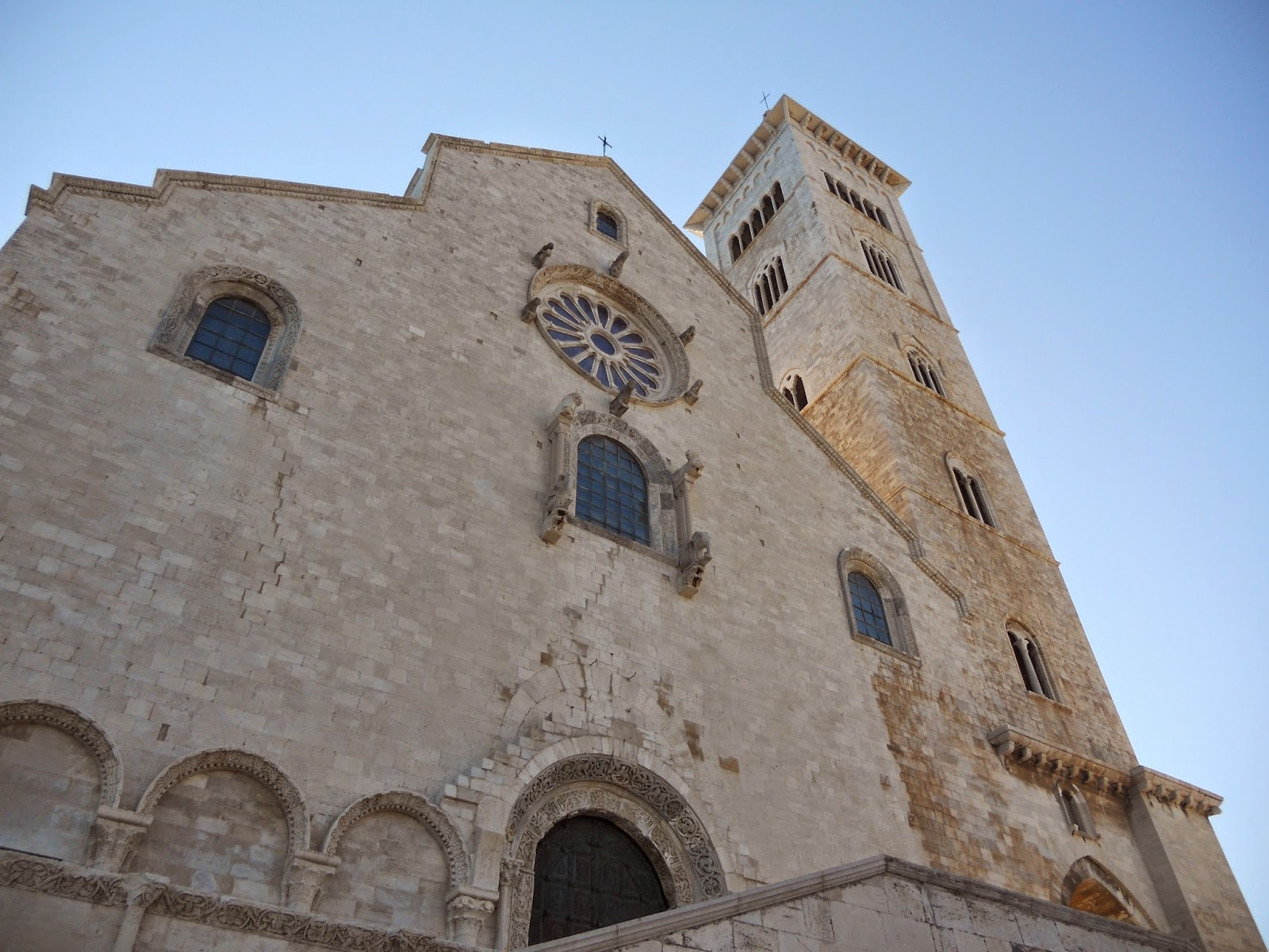 Athenae noctua esplorando la puglia 1 la cattedrale di - Di trani porte ...