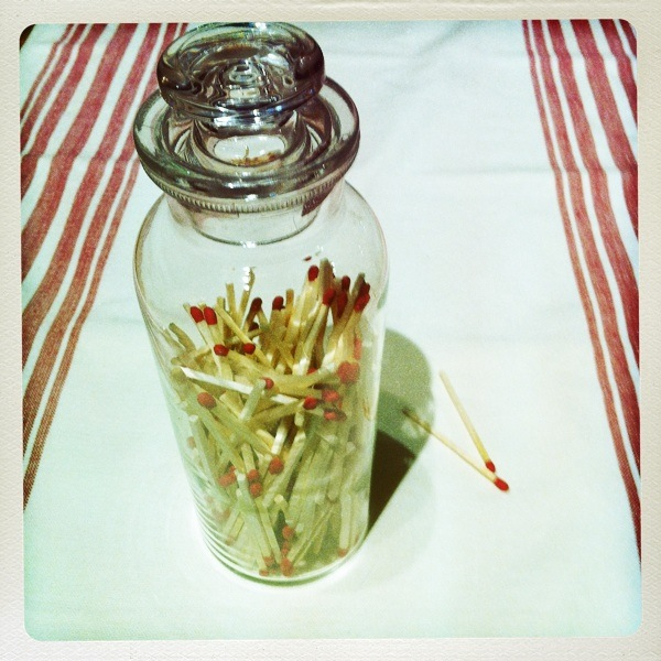 Decorative DIY Stick Matches in a Jar