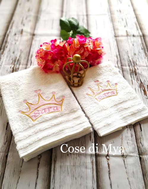 Set asciugamani ricamati