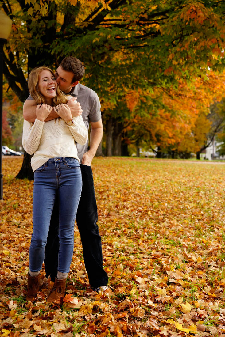 couple-fall-foliage-photo-shoot