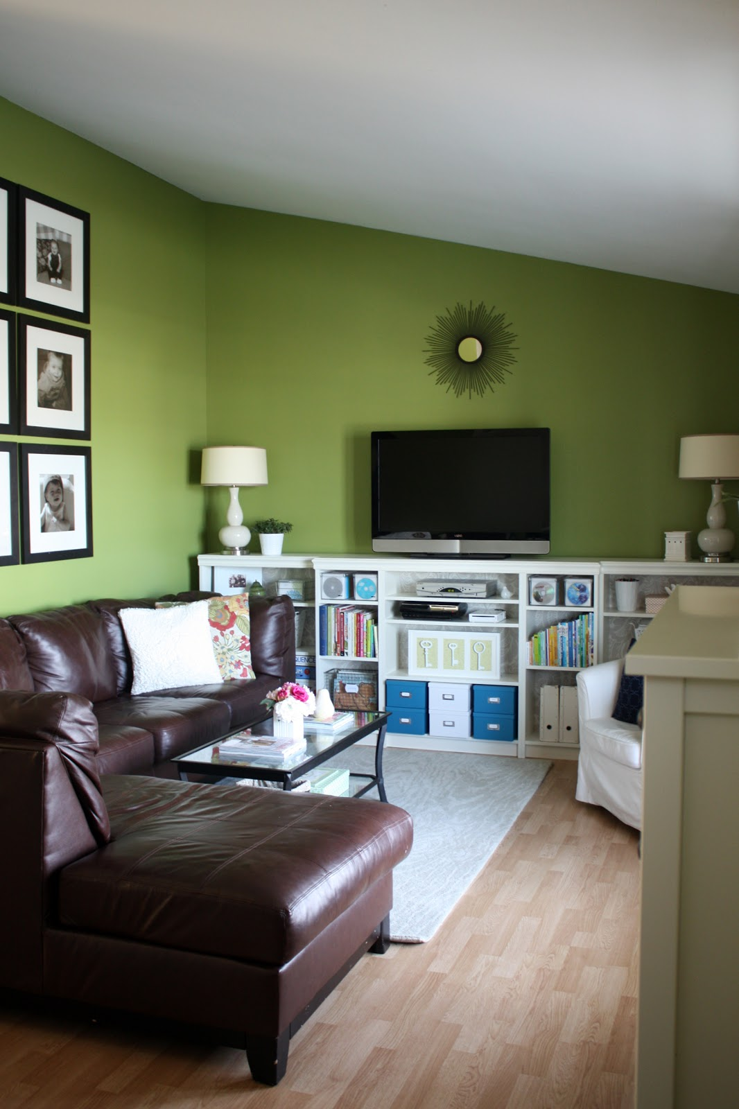 Living Room With Bookshelf: IHeart Organizing: Reader Space: A Blissful Billy Bookcase