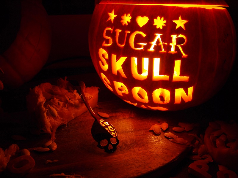 http://hundredmillion.co.uk/HM-sugarskullspoon.html