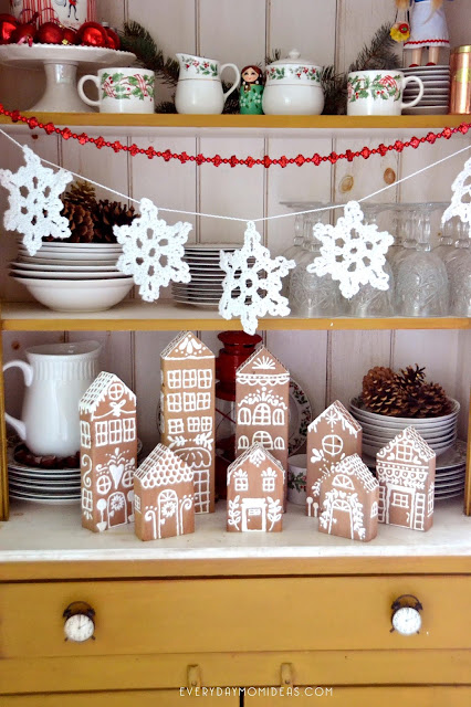 2x4 Wood Gingerbread House Village (Cheap & Easy DIY Christmas Decor Craft)