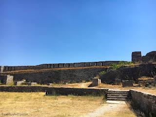 La citadelle Kalaja de Gjirokaster en Albanie