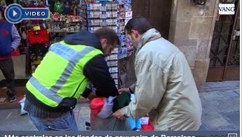 54cb7aec8375b ... retira 69 terrasses. L Ajuntament de Barcelona ha precintat cinc basars  de  souvenirs  que venien als voltants de la Sagrada Família articles sense  ...
