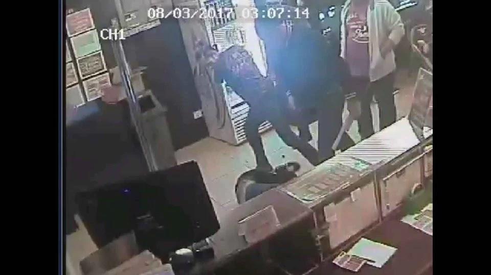 Kerana Berebut Perempuan, Lelaki Dibelasah Di Siber Kafe