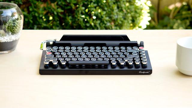 Tastiera bluetooth per tablet e smartphone che ricorda macchina da scrivere